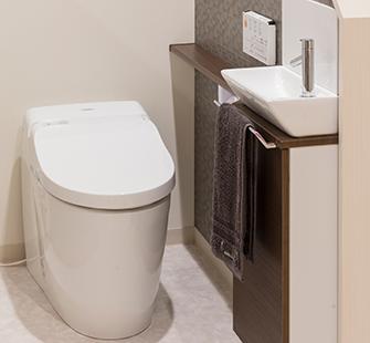 TOTO タンクレス便器+手洗いカウンター